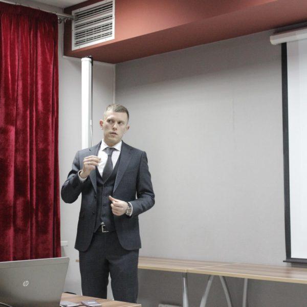 Евгений Ходькин. Зарплаты в IT и битвы за умы